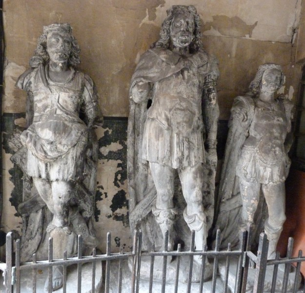 Sixteenth-century statue of King Lud and his sons, St Dunstan in the West