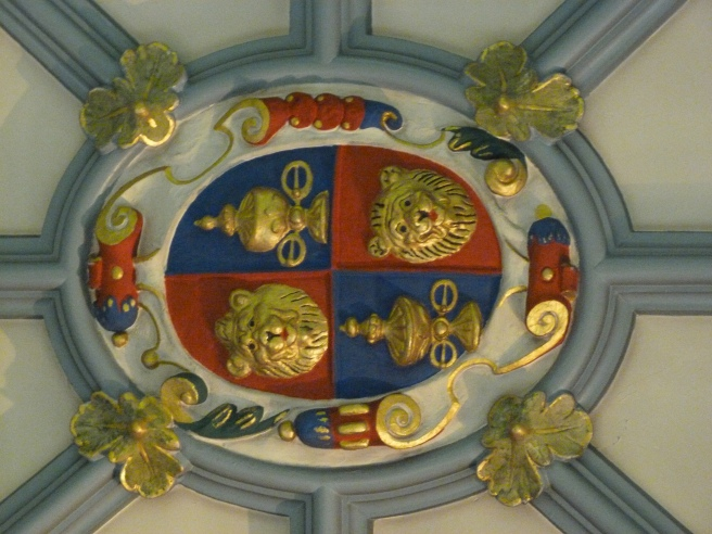 Ceiling boss bearing insignia of Goldsmiths' Company