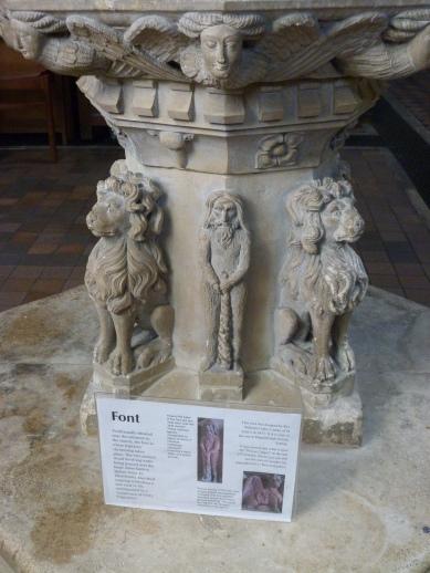 Pedestal of font