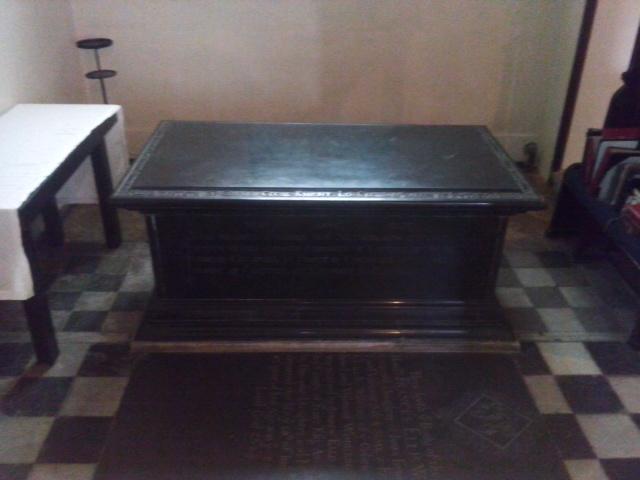 4 - Cecil altar-tomb
