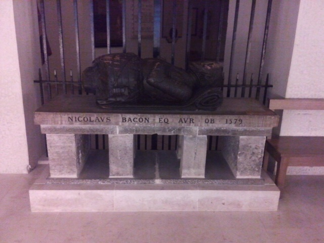 Tomb of Nicholas Bacon.jpg