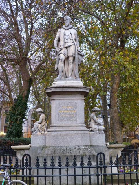 5 - Myddelton statue, Islington