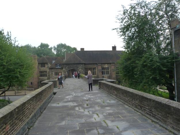 Queen's Walk.JPG