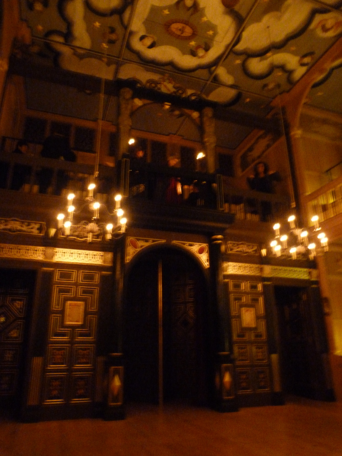 5 - Wanamaker Playhouse (inside reconstructed Globe), a model for the Blackfriars Theatre.JPG