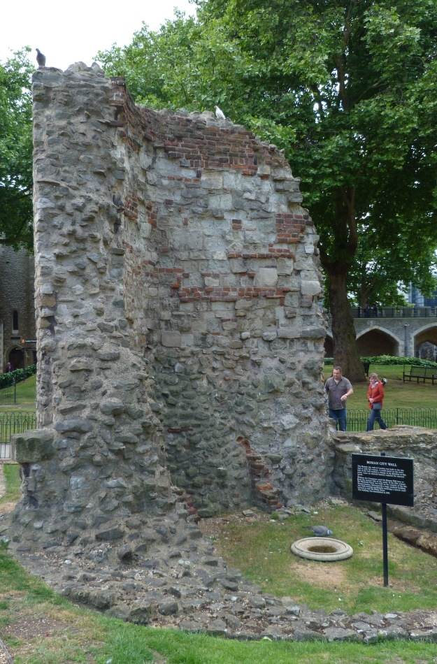 Wall, Tower of London.JPG