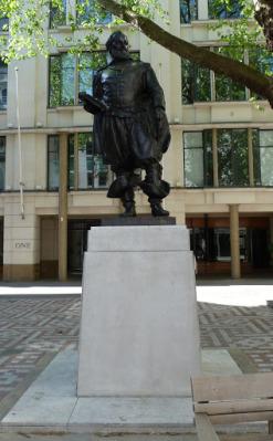 3-Statue of John Smith
