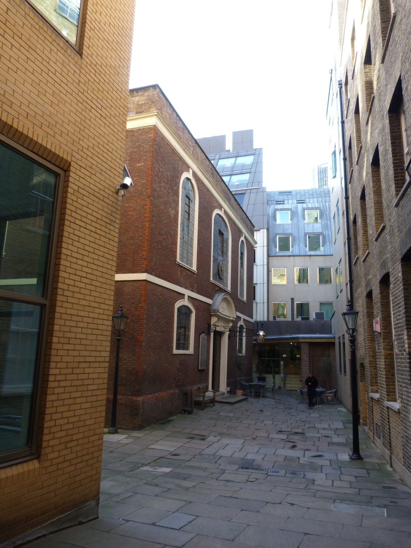 Exterior of Bevis Marks Synagogue.JPG