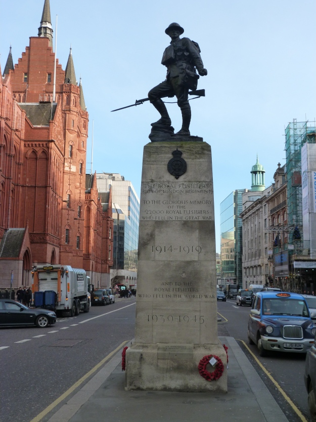 Royal Fusiliers (City of London Regiment) memorial (Holborn).JPG