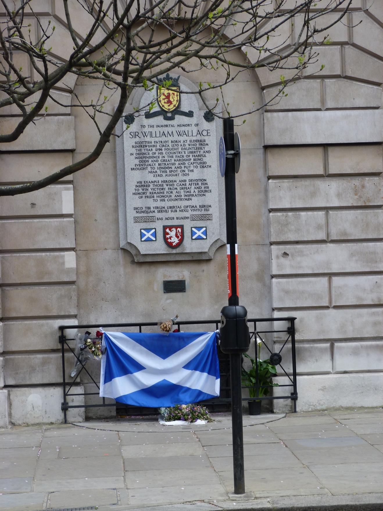 Wallace memorial, West Smithfield (d. 1305) - Copy.JPG