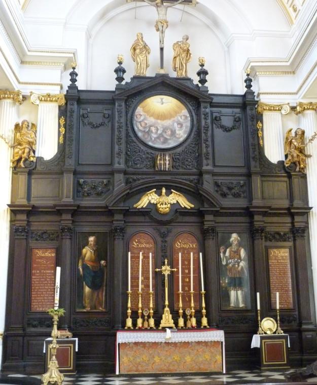 Interior 3 - Copy.JPG