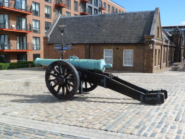 saxony-demi-cannon-manuf-dresden-1733.jpg