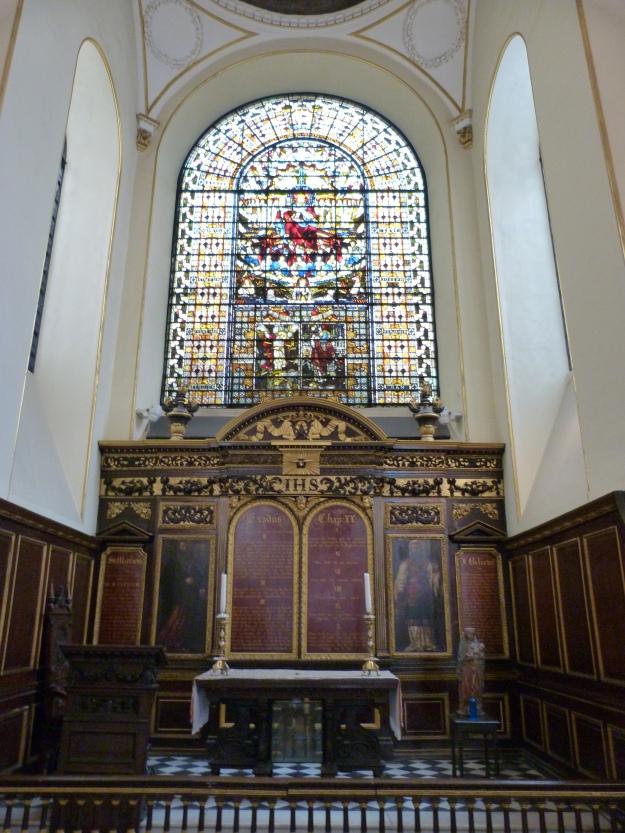 2 - Interior