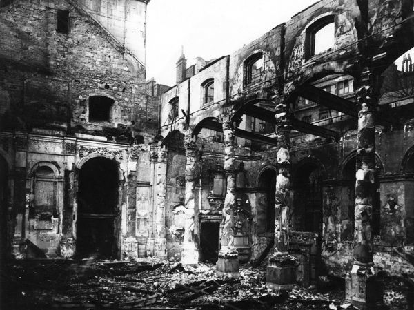 Fire damage at St Lawrence Jewry, City of London, WW2